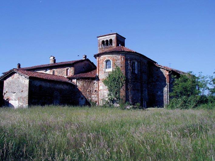 La zona absidale della chiesa di S. Pietro